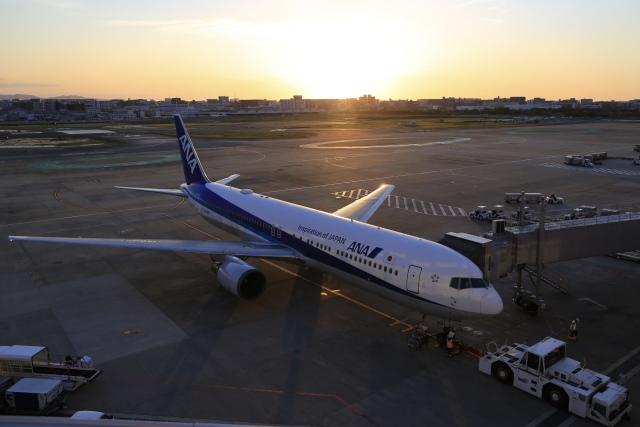 aki241012さんが、福岡空港で撮影した全日空 767-381/ERの航空フォト(飛行機 写真・画像)