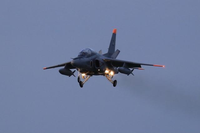 aki241012さんが、築城基地で撮影した航空自衛隊 T-4の航空フォト(飛行機 写真・画像)