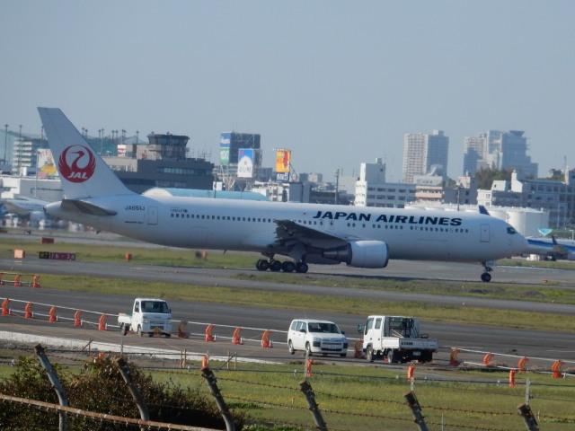 commet7575さんが、福岡空港で撮影した日本航空 767-346/ERの航空フォト(飛行機 写真・画像)