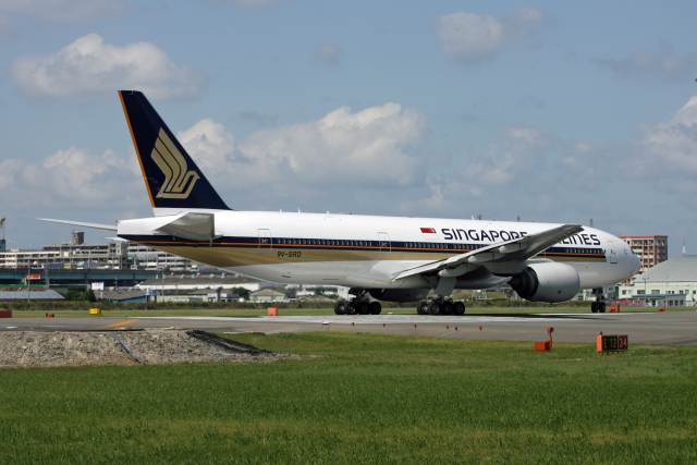 tsubameさんが、福岡空港で撮影したシンガポール航空 777-212/ERの航空フォト(飛行機 写真・画像)