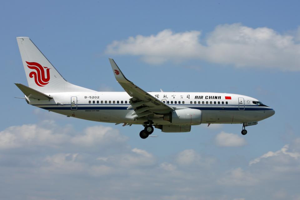 tsubameさんの中国国際航空 Boeing 737-700 (B-5202) 航空フォト