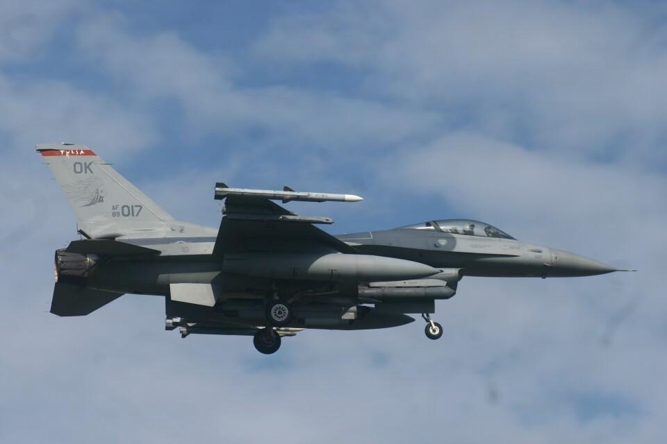 Mr.boneさんのアメリカ空軍 General Dynamics F-16 Fighting Falcon (89-2017) 航空フォト