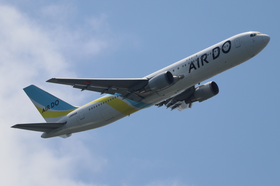 imosaさんのAIR DO Boeing 767-300 (JA613A) 航空フォト
