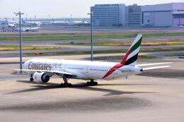 航空フォト:A6-ECR エミレーツ航空 777-300