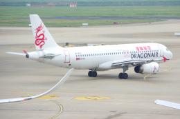 yabyanさんが、上海浦東国際空港で撮影した香港ドラゴン航空 A320-232の航空フォト(飛行機 写真・画像)