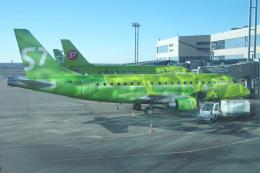 yabyanさんが、ドモジェドヴォ空港で撮影したS7航空 ERJ-170-100 SU (ERJ-170SU)の航空フォト(飛行機 写真・画像)