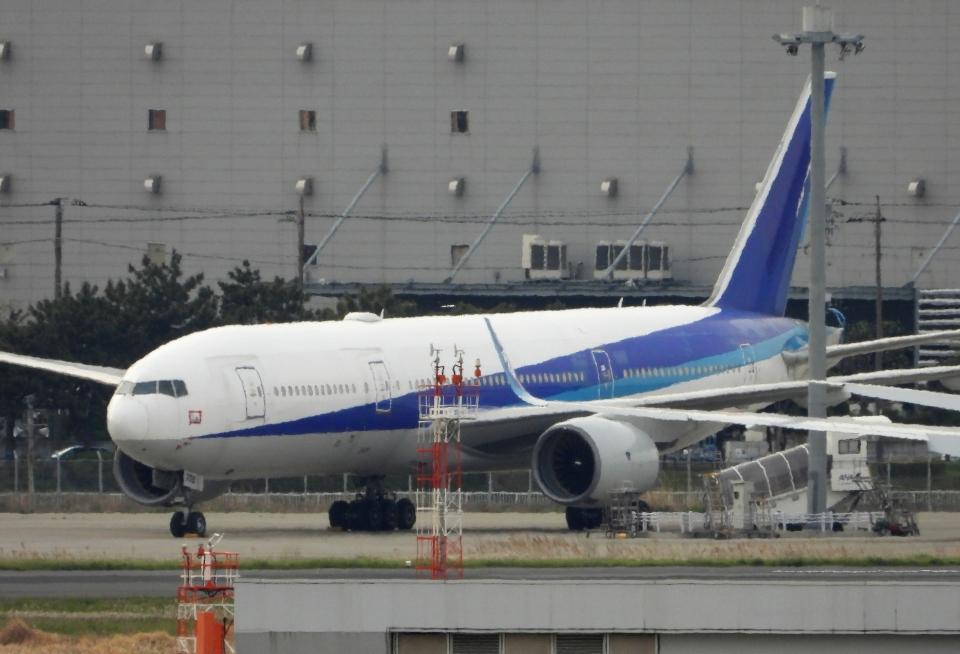 チャレンジャーさんの全日空 Boeing 777-200 (JA708A) 航空フォト