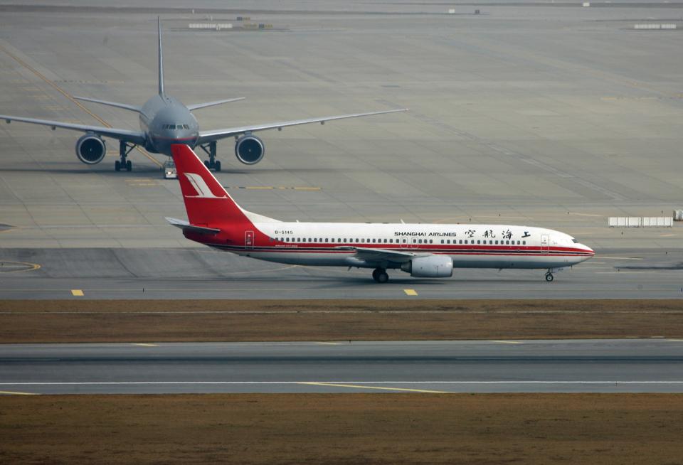 tsubameさんの上海航空 Boeing 737-800 (B-5145) 航空フォト