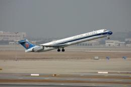 tsubameさんが、仁川国際空港で撮影した中国南方航空 MD-90-30の航空フォト(飛行機 写真・画像)