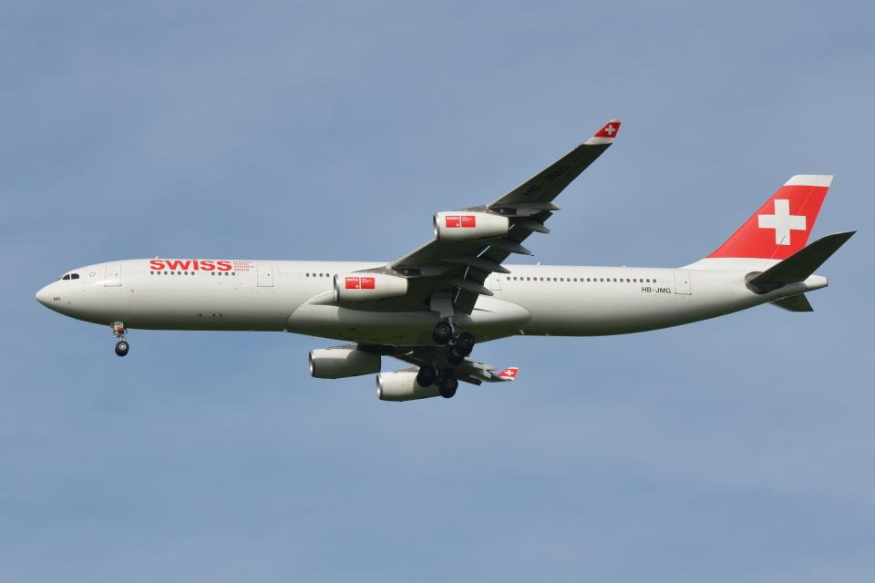 Deepさんのスイスインターナショナルエアラインズ Airbus A340-300 (HB-JMG) 航空フォト