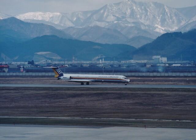 エルさんが、山形空港で撮影した日本エアシステム MD-81 (DC-9-81)の航空フォト(飛行機 写真・画像)