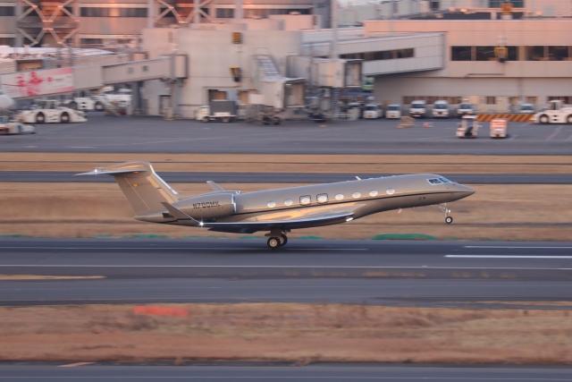 OS52さんが、羽田空港で撮影したウィルミントン・トラスト・カンパニー G500/G550 (G-V)の航空フォト(飛行機 写真・画像)