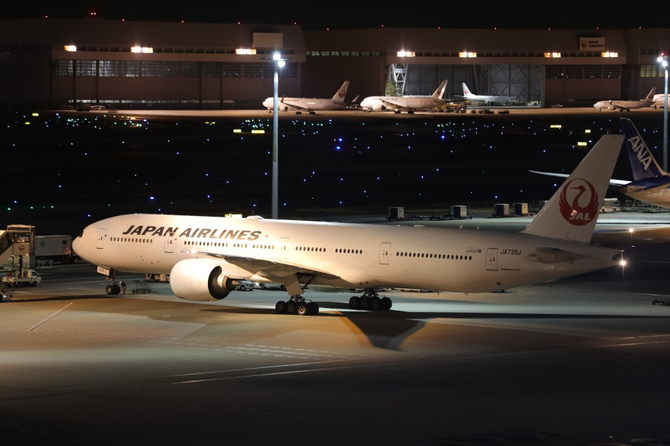 OS52さんの日本航空 Boeing 777-300 (JA735J) 航空フォト