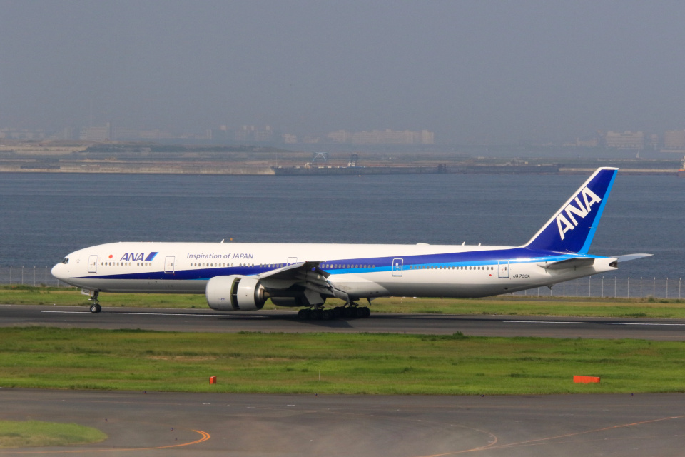 inyoさんの全日空 Boeing 777-300 (JA733A) 航空フォト