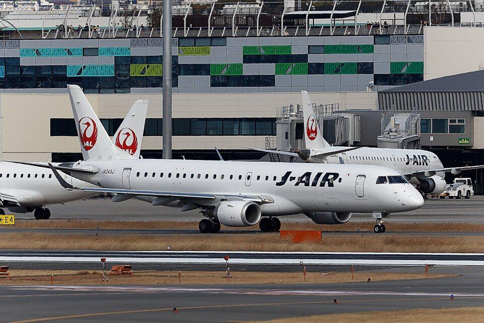 khideさんのジェイエア Embraer 190 (JA243J) 航空フォト
