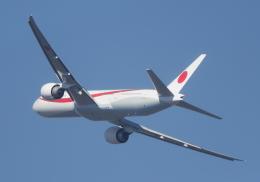 Miraplaneさんが、新千歳空港で撮影した航空自衛隊 777-3SB/ERの航空フォト(飛行機 写真・画像)