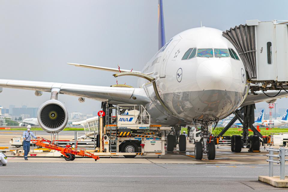 KAMIYA JASDFさんのルフトハンザドイツ航空 Airbus A340-300 (D-AIGL) 航空フォト