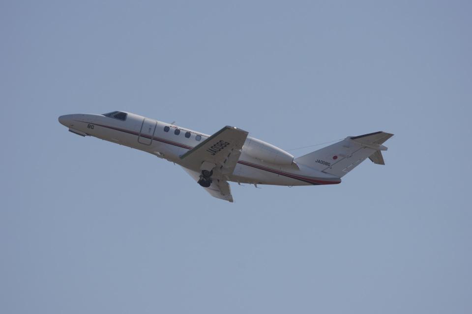 神宮寺ももさんの国土交通省 航空局 Cessna 525 CitationJet (JA008G) 航空フォト