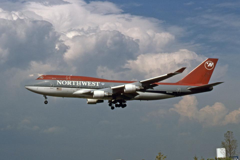 Gambardierさんのノースウエスト航空 Boeing 747-400 (N670US) 航空フォト