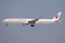 sky-spotterさんが、成田国際空港で撮影した中国東方航空 777-39P/ERの航空フォト(飛行機 写真・画像)