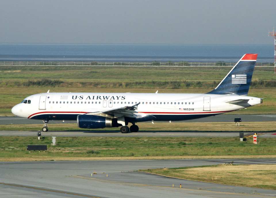 voyagerさんのUSエアウェイズ Airbus A320 (N652AW) 航空フォト