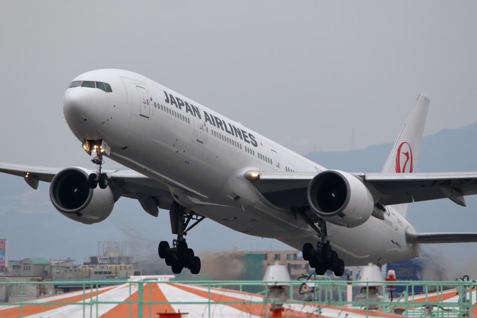 kaz787さんの日本航空 Boeing 777-300 (JA751J) 航空フォト
