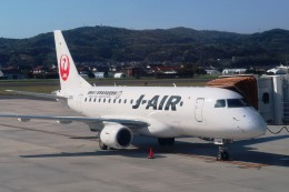 Hiro-hiroさんが、出雲空港で撮影したジェイエア ERJ-170-100 (ERJ-170STD)の航空フォト(飛行機 写真・画像)