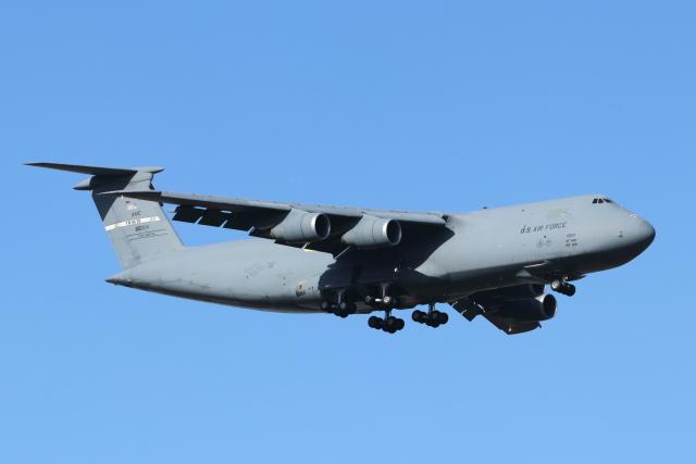mogusaenさんが、横田基地で撮影したアメリカ空軍 C-5M Super Galaxyの航空フォト(飛行機 写真・画像)