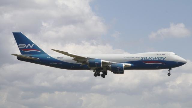 raichanさんが、成田国際空港で撮影したシルクウェイ・ウェスト・エアラインズ 747-83QFの航空フォト(飛行機 写真・画像)