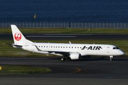 チャーリーマイクさんが、羽田空港で撮影したジェイエア ERJ-190-100(ERJ-190STD)の航空フォト(飛行機 写真・画像)