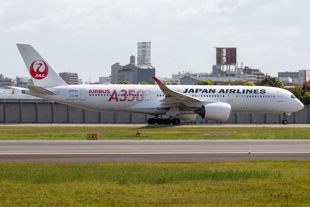 徳兵衛さんが、伊丹空港で撮影した日本航空 A350-941の航空フォト(飛行機 写真・画像)