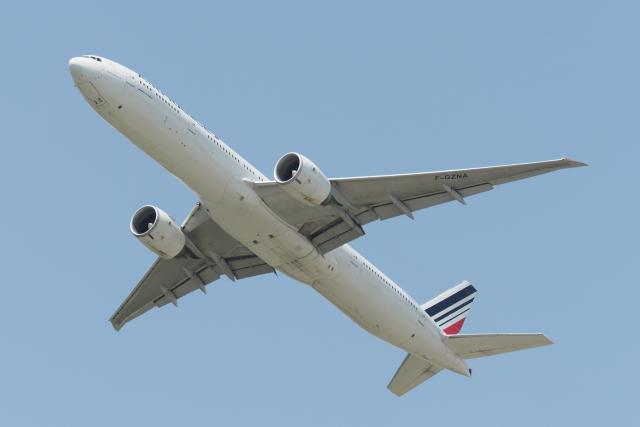 木人さんが、成田国際空港で撮影したエールフランス航空 777-328/ERの航空フォト(飛行機 写真・画像)