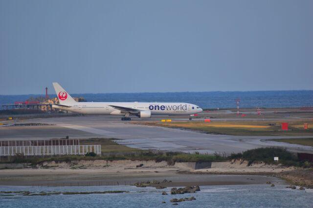 ER_b777logさんが、那覇空港で撮影した日本航空 777-346の航空フォト(飛行機 写真・画像)