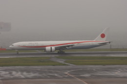 KOKI_ANA-Brussels767さんが、羽田空港で撮影した航空自衛隊 777-3SB/ERの航空フォト(飛行機 写真・画像)