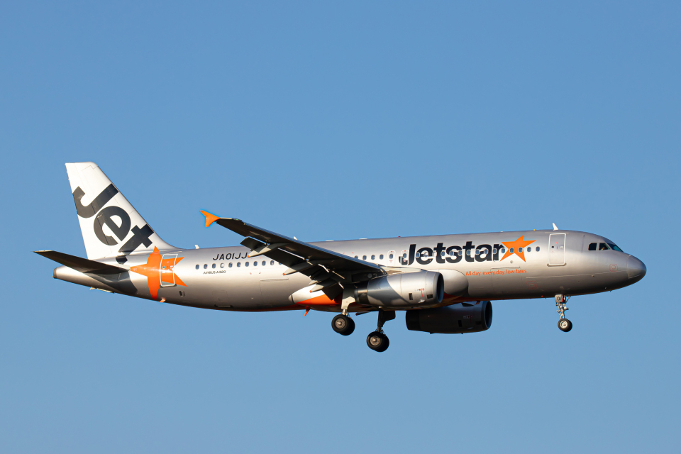 SGR RT 改さんのジェットスター・ジャパン Airbus A320 (JA01JJ) 航空フォト