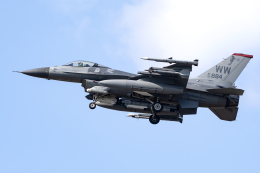 Flankerさんが、三沢飛行場で撮影したアメリカ空軍 F-16CM-50-CF Fighting Falconの航空フォト(飛行機 写真・画像)