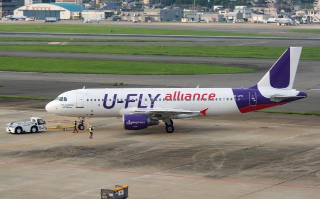 kan787allさんが、福岡空港で撮影した香港エクスプレス A320-214の航空フォト(飛行機 写真・画像)
