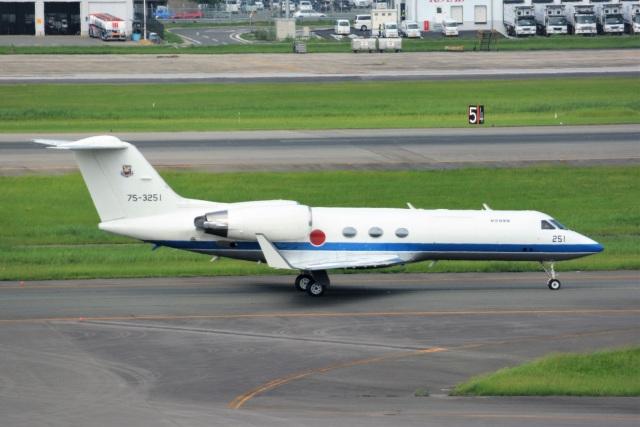 kan787allさんが、福岡空港で撮影した航空自衛隊 U-4 Gulfstream IV (G-IV-MPA)の航空フォト(飛行機 写真・画像)