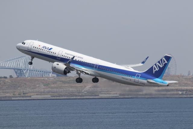 プルシアンブルーさんが、羽田空港で撮影した全日空 A321-272Nの航空フォト(飛行機 写真・画像)