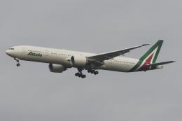 木人さんが、成田国際空港で撮影したアリタリア航空 777-3Q8/ERの航空フォト(飛行機 写真・画像)