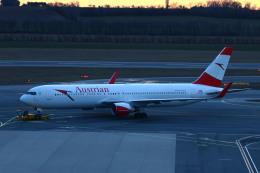 S.Hayashiさんが、ウィーン国際空港で撮影したオーストリア航空 767-3Z9/ERの航空フォト(飛行機 写真・画像)