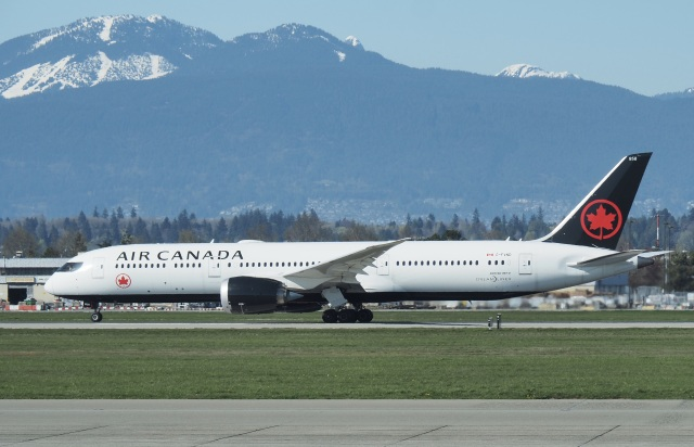 thomasYVRさんが、バンクーバー国際空港で撮影したエア・カナダ 787-9の航空フォト(飛行機 写真・画像)