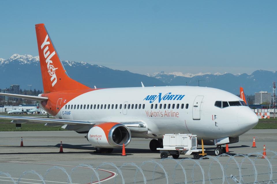 thomasYVRさんのエア・ノース Boeing 737-500 (C-FANF) 航空フォト