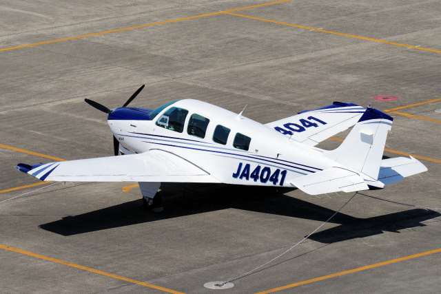 yabyanさんが、名古屋飛行場で撮影したスカイグローバルネット A36 Bonanza 36の航空フォト(飛行機 写真・画像)