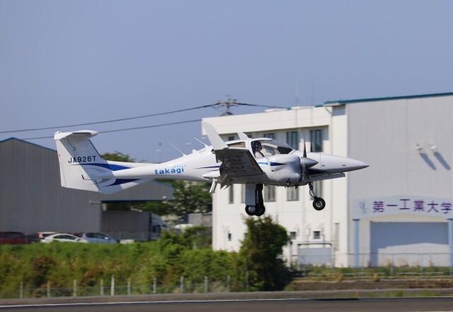 EosR2さんが、鹿児島空港で撮影した日本法人所有 DA42 NG TwinStarの航空フォト(飛行機 写真・画像)