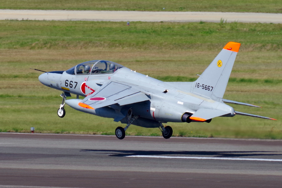 yabyanさんの航空自衛隊 Kawasaki T-4 (16-5667) 航空フォト