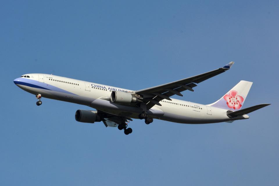 アルビレオさんのチャイナエアライン Airbus A330-300 (B-18315) 航空フォト