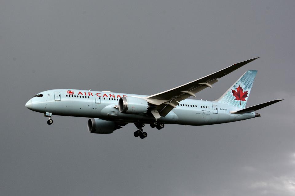 アルビレオさんのエア・カナダ Boeing 787-8 Dreamliner (C-GHQY) 航空フォト