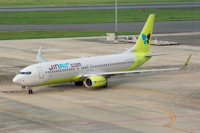kan787allさんが、福岡空港で撮影したジンエアー 737-8SHの航空フォト(飛行機 写真・画像)