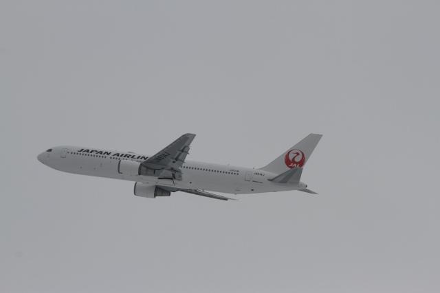 344さんが、新千歳空港で撮影した日本航空 767-346/ERの航空フォト(飛行機 写真・画像)